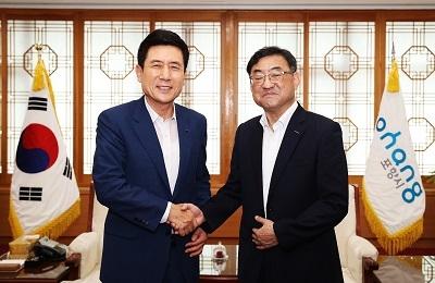 김무환 차기총장, 포항시장 예방